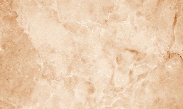 Marmorboden reinigen und Flecken entfernen