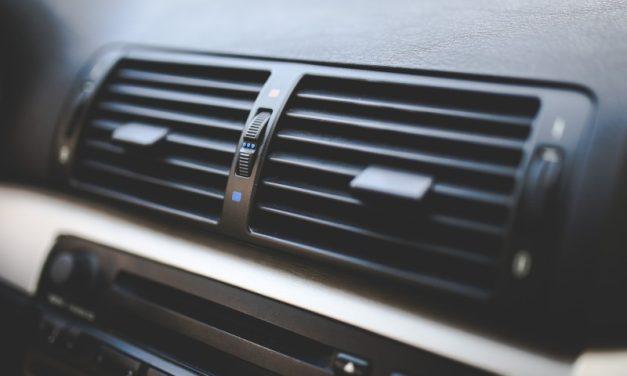 Was tun bei stinkender Klimaanlage im Auto?