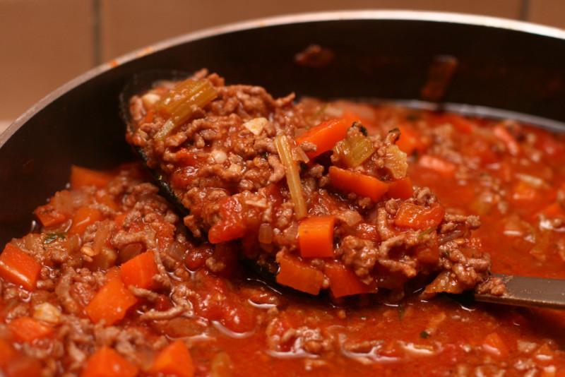 Hausgemachte Bolognese Soße für Nudeln