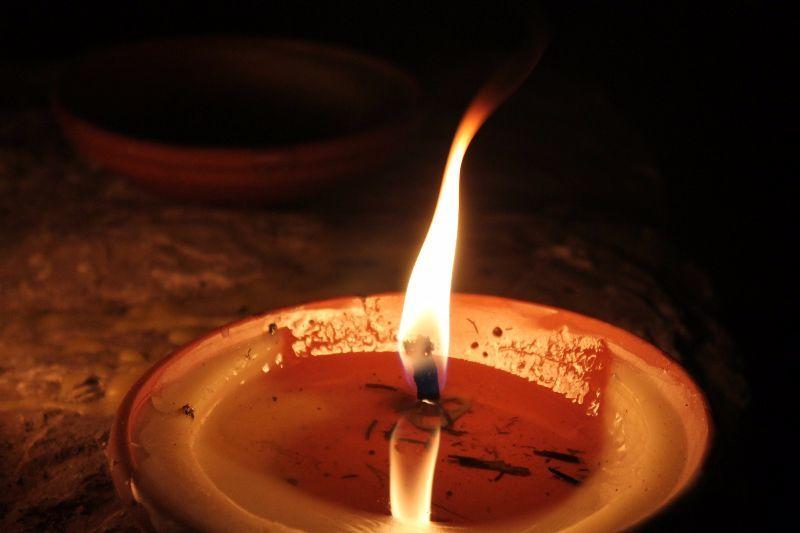 Tipps zum Wachsflecken und Kerzenwachs entfernen