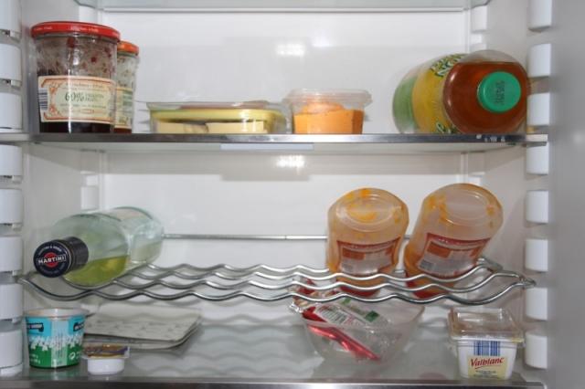 Muffigen Geruch im stinkenden Kühlschrank entfernen