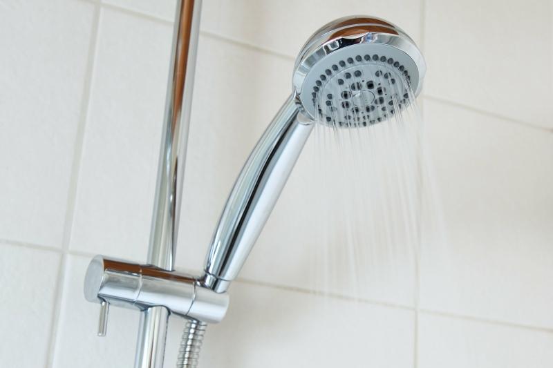 5 Tricks zum Duschkabine und Dusche reinigen
