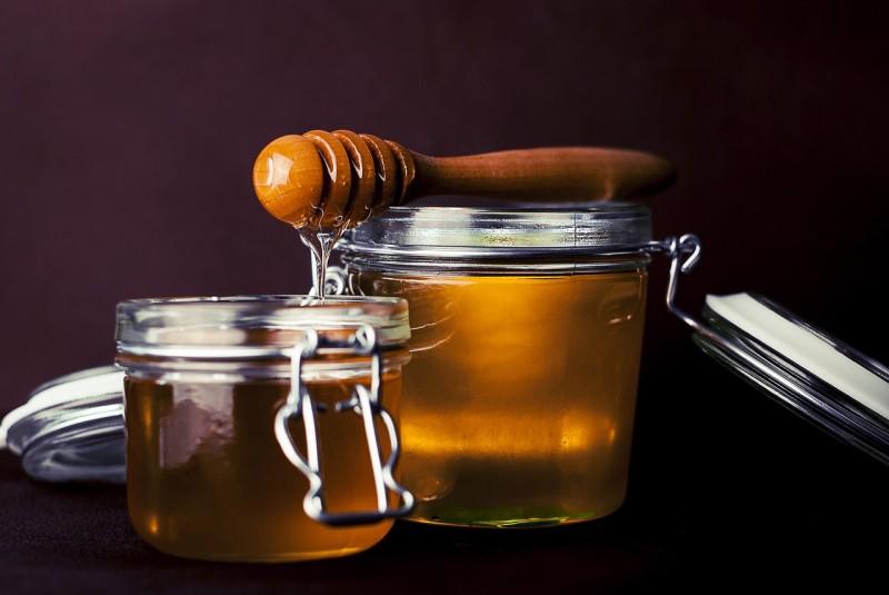 Honig als Hausmittel und natürliches Heilmittel