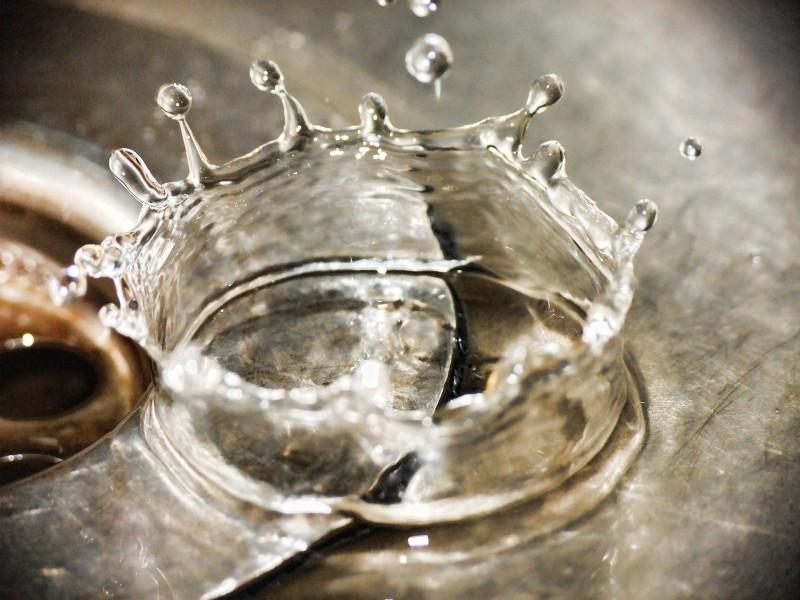 Verstopfter Abfluss reinigen – Tipps und Mittel