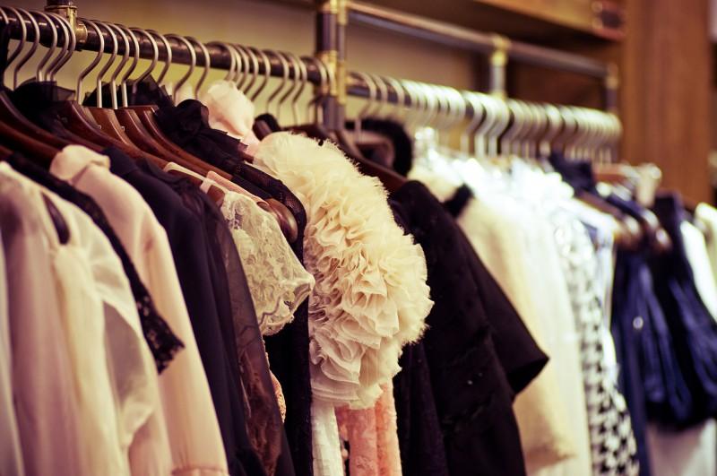8 Modetrends die jede stilbewusste Frau kennen sollte